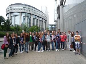 Gruppenfoto vor EU Parlament
